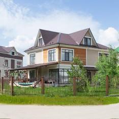 Такие разные фасады коттеджей в поселке Family Club