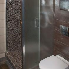 Душевая и туалет рядом с сауной в тауне, КП Арт Вилладже