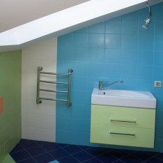Детская ванная на мансарде, таун в Арт Вилладже