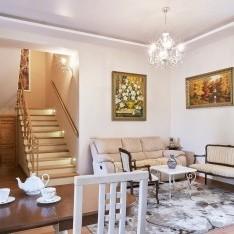 1 этаж: диванный уголок в гостиной